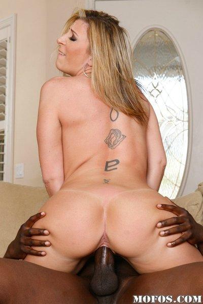 Lusty MILF Sara Jay enjoys a hardcore interracial pussy pounding