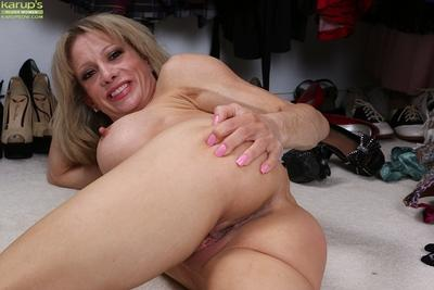 Glorious mature Christina Brim playing with her gorgeous feet