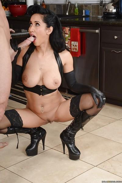 Guilty wife with massive breasts Isis Love is cream-pied nicely