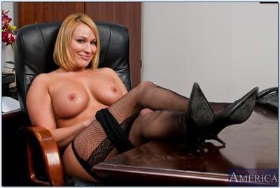 Stunning BBW MILF Mellanie Monroe strips to stockings in the office
