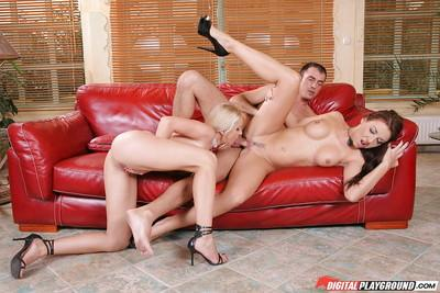 Slender babes Maria Bellucci and Linda Shane in a hardcore 3some