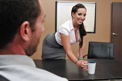 MILF office secretary Kelly Divine gets cum in her mouth after fucking