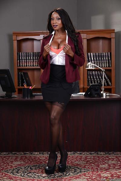Ebony pornstar Diamond Jackson stripping and spreading at the office