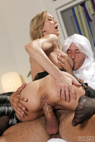 Hardcore model Brandi Love fucks with God and swallows his white jizz