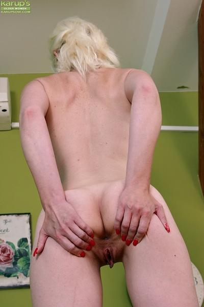 Skinny mature MILF Janotova spreading shaved granny pussy in close ups