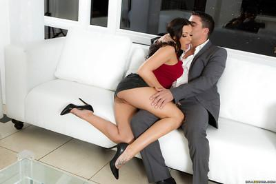 Brunette pornstar Rachel Starr delivers a messy blowjob in high heels