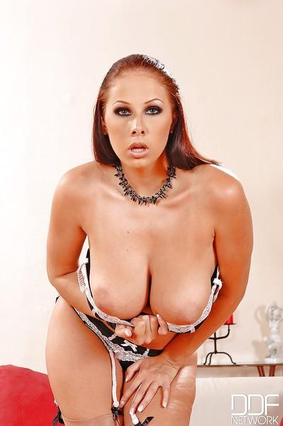 Skinny milf babe Gianna Michaels teasing her big tits on camera