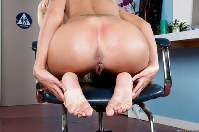 Entertaining milf Nina Elle caresses her beautiful long legs