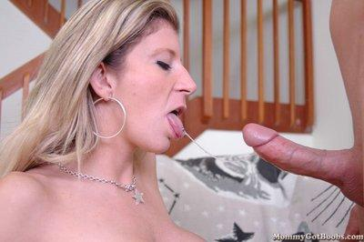 MILF with huge tits Sara Jay gets a load of jizz on her lips after sex