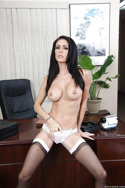 Sultry MILF babe Jessica Jaymes stripping and fingering in the office