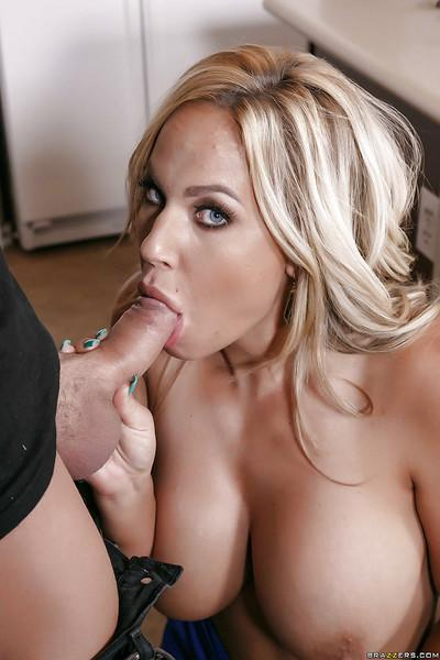 Buxom blonde cougar Olivia Austin takes cumshot on shaved cunt