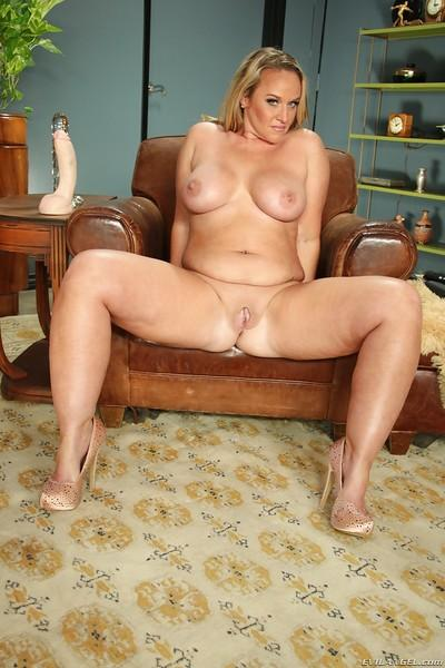 That Mature milf porn gallery