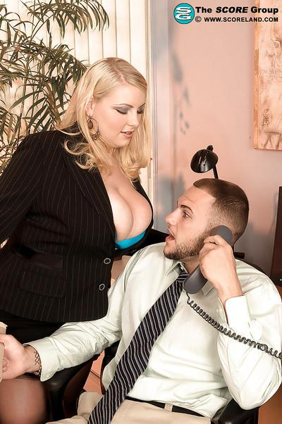 Chubby MILF Scarlett Rouge gets fucked hard on the office table