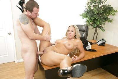 Strict office milf Olivia Austin gets cumshot after the working hours