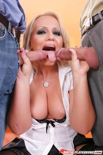 Two dicks are screwing innocent smiling blonde Sarah Simon!