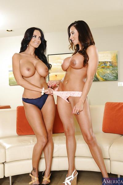 Big ass sluts with huge boobs humping and kissing naked