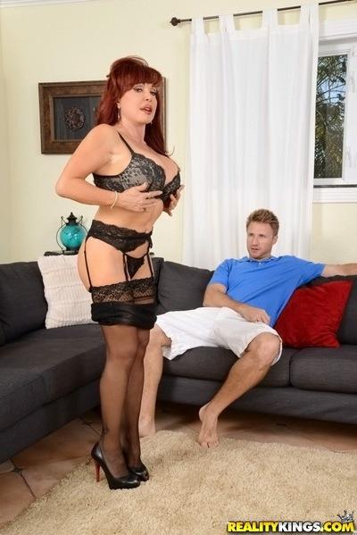 Reality milf Vanessa Bella shows her cougar Latina ass in a lingerie