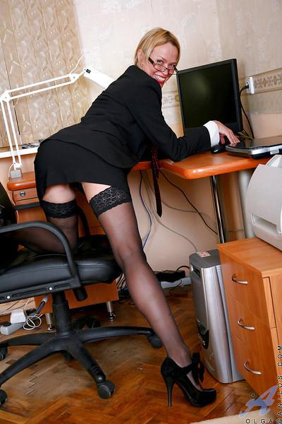 Heated office secretary stripping nude and flaunting in the chair