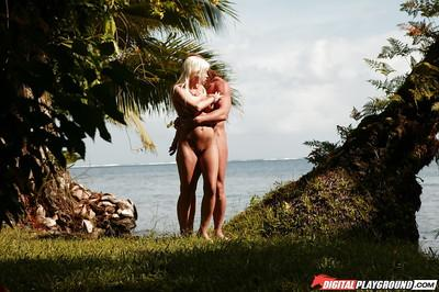 Slender blonde Jesse Jane is getting a load of sperm over her tits