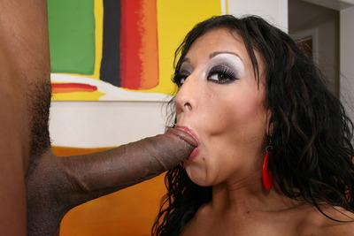 Slutty MILF babe Ricki White is fucking a massive black dick