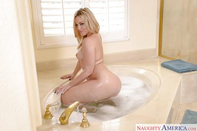 MILF wife Alexis Texas showing off big booty in solo girl bathtub shoot