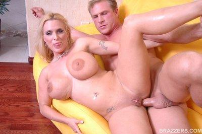 Busty MILF Holly Halston gets fucked in her ass and pussy