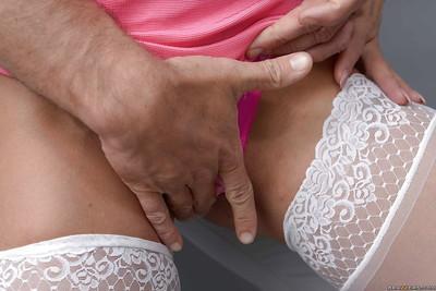 Married Latina MILF Nina Dolci giving blowjob to big cock in stockings