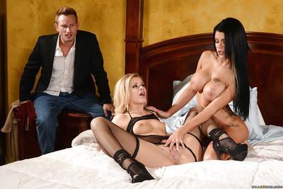 Horny wives Jessa Rhodes and Peta Jensen suck cock and swap cum in FFM