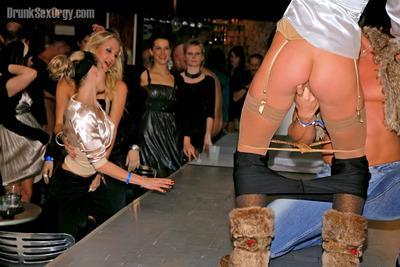 Flirtatious gals suck and fuck male strippers
