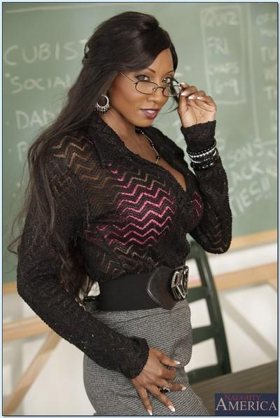 Ebony teacher with big tits Diamond Jackson shows her glamorous body
