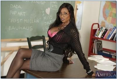 Ebony teacher with big tits Diamond Jackson shows her glamorous body