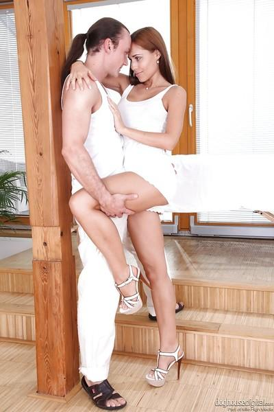 Immensely hot babe gets fucked tough and jizzed over her trimmed cooter