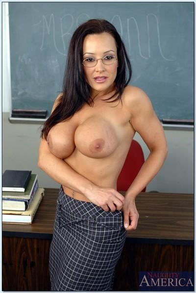 MILF teacher in glasses Lisa Ann denudes her smashing assets in class