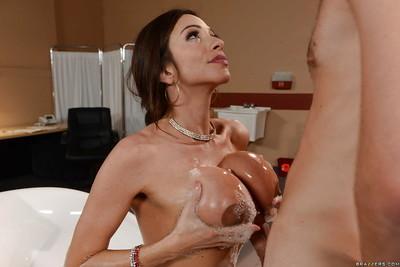 Bosomy Latina MILF Ariella Ferrera giving big cock bj in bathtub