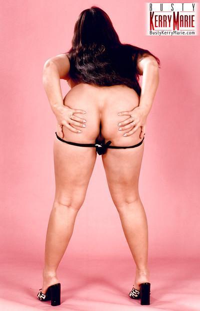 Chubby brunette MILF Kerry Marie flaunts massive all natural pornstar tits