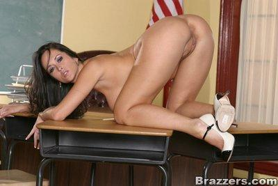 Lustful MILF teacher Carmella Bing posing nude on her table