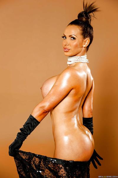 Awesome tanned milf Nikki Benz poses like a famous Holywood star!