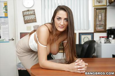 Amateur nude model Tiffany Wells stripping off business skirt and clothes