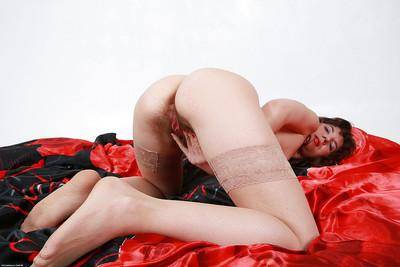 Extremely hairy pussy by slutty milf Victoria in hot stockings