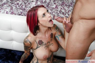 Tattooed pornstar Anna Bell Peaks giving boyfriend nuru massage