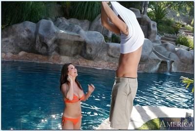 Outdoor fuck with busty mommy Raquel Devine filmed poolside
