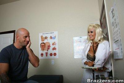 Sexy office MILF in uniform Britney O