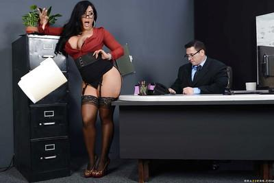 Buxom latina MILF in stockings Kiara Mia gets shagged hardcore