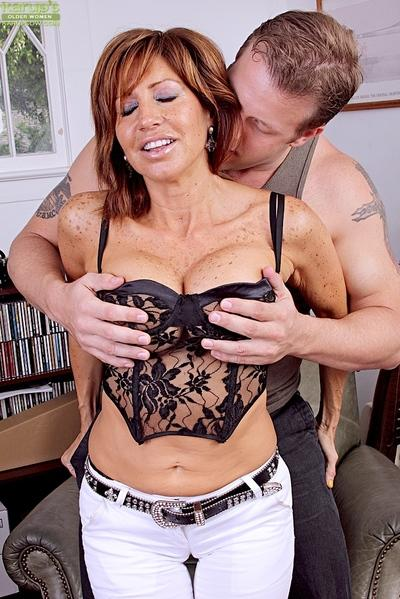 Juggy latina MILF gets her juicy twat fingered and cocked up tough
