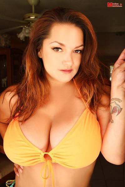 Babe with big boobies Monica Mendez poses topless like pornstar