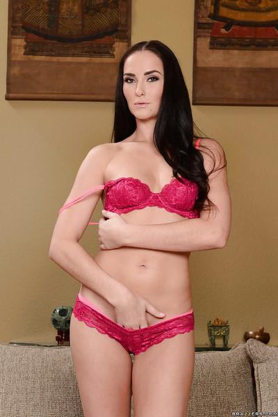Babe milf Bianca Breeze demonstrates her outstanding naked shape