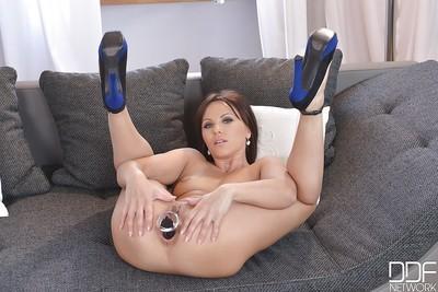 Hot close up pics of Milf Alysa Gap shoving a sex toy up her ass