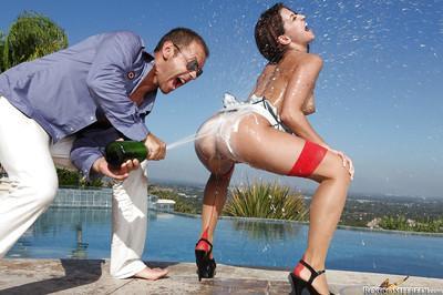 Slutty MILFs Nikki Benz & AnnMarie Rios getting shagged outdoor