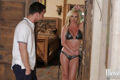 Milf Jessa Rhodes is licking this tasty dickhead just to get sperm