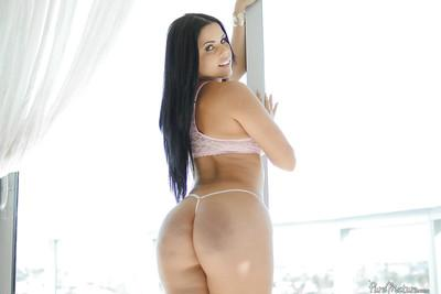 Latina MILF Diamond Kitty bares her lovely booty and big breasts